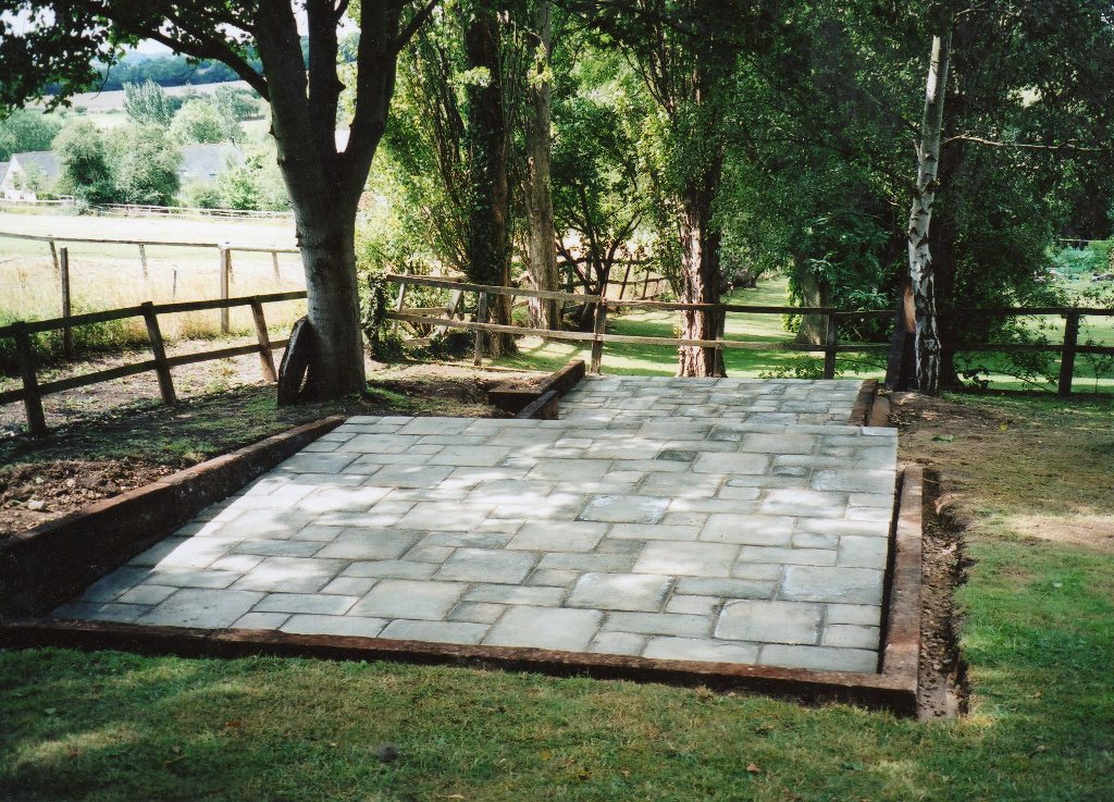 Superbe Split Level Patio Kineton (2)