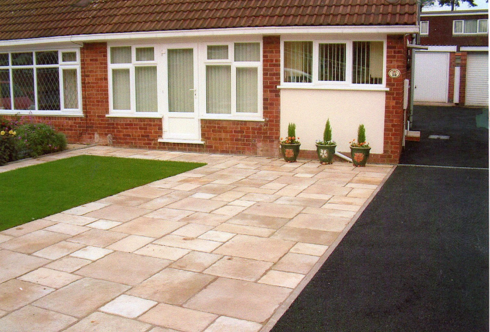 Front garden and driveway hard landscaping next 2 nature for Paved front garden designs